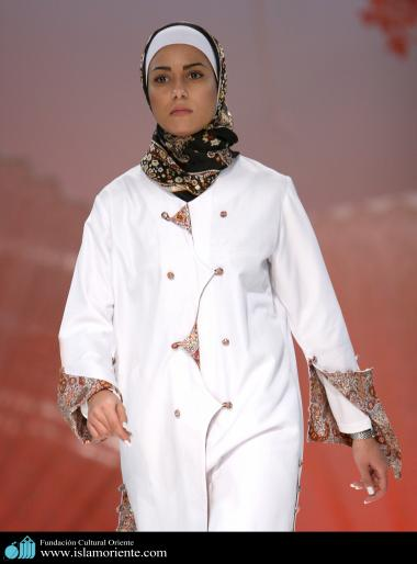 Muslim Woman and Fashion show - 51