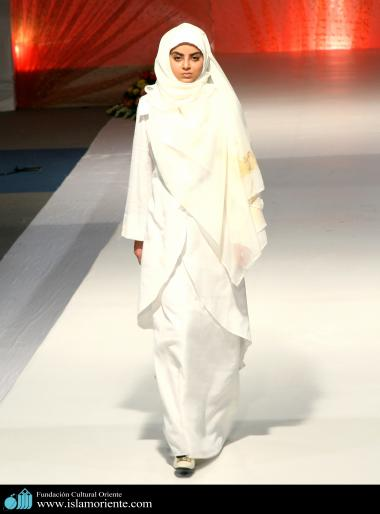 Muslim Woman and Fashion show - 6