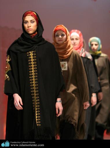 Le donne musulmane e la sfilata di moda-2