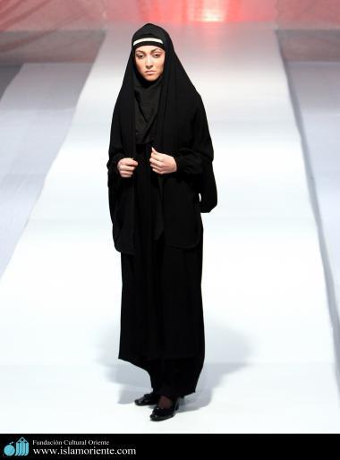 Mujer musulmana y desfile de moda - 3