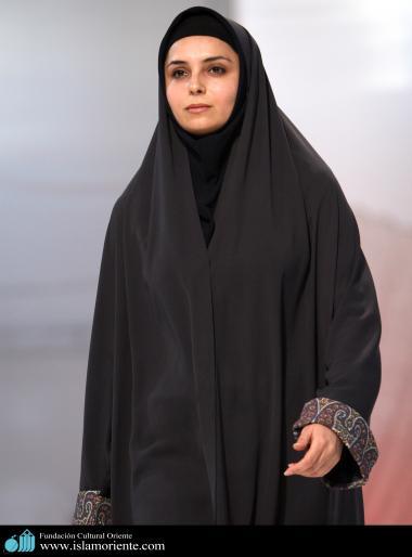 Mujer musulmana y desfile de moda - 47