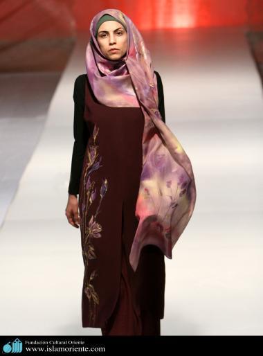 Mujer musulmana y desfile de moda - 45