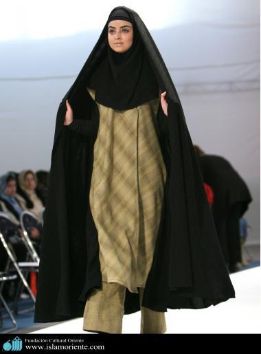 Le donne musulmane e la sfilata di moda-48