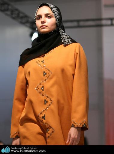 Mujer musulmana y desfile de moda - 42
