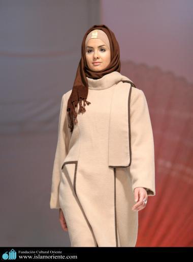 Mujer musulmana y desfile de moda - 11