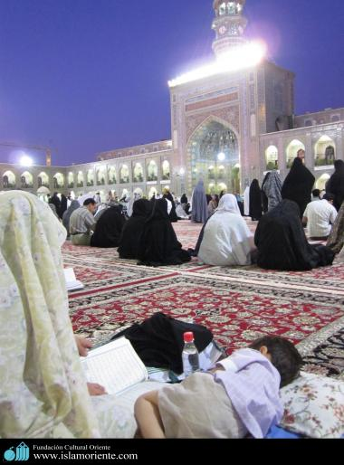 Mulheres muçulmanas na pratica de atividades religiosas - 1