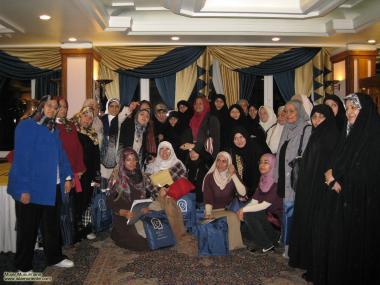 Muslimische Frauen und soziokulturelle Aktivitäten - Stolz mit Hijab - Die muslimische Frau und die Gesellschaft - Foto