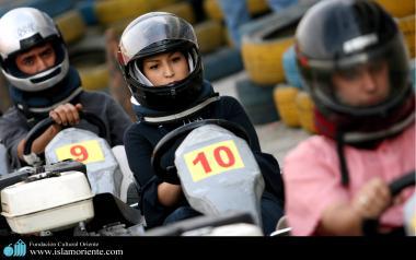 Mulher muçulmana - Uma corrida de kart - 2