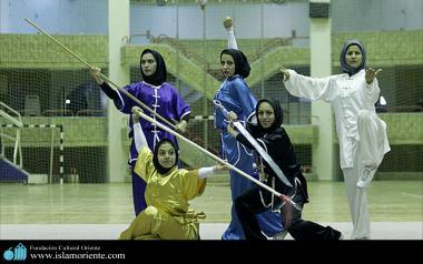 イスラム教の女性のスポーツ - 武道で参加する女性