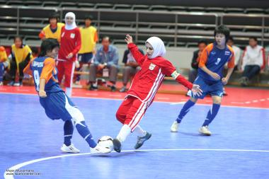 イスラム教の女性スポーツ、イスラム教女性のフットサルチーム152