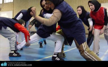 Mulher muçulmana na pratica de esporte
