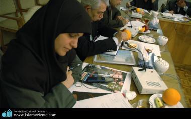 زنان مسلمان و نقش آنها در جامعه - جمهوری اسلامی ایران