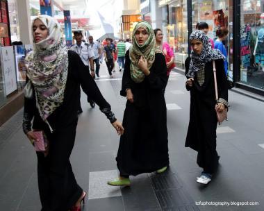 حجاب زنان مسلمان - زنان عرب در حال خرید
