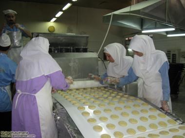 Muslim women in the food industry - 220