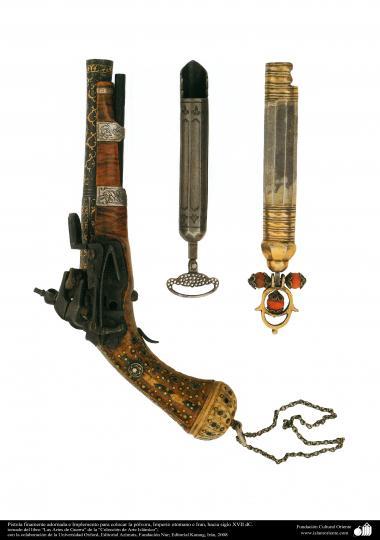 وسایل کهن جنگی و تزئینی - تفنگ باروتی با نقش و نگار ظریف و زیبا - امپراتوری عثمانی و ایران- قرن هفدهم میلادی