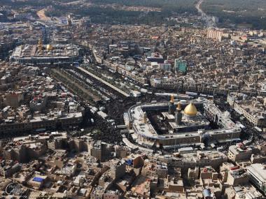 Une vue aérienne des deux sanctuaires de l'imam Hussein (P) et Abalfadl Abbas (S) - Karbala - Irak.7