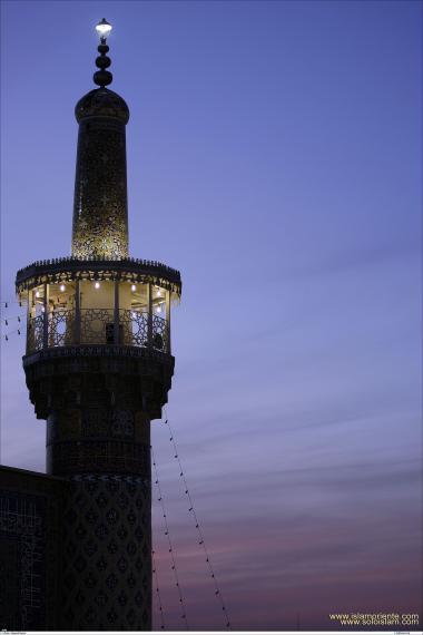 اسلامی معماری - شہر مشہد میں امام رضا (ع) کے روضہ اور مزار کا مینارہ ، ایران - ۵۶