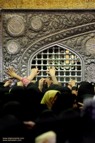 معماری اسلامی - نمایی از حرم مطهر امام رضا (ع) - قدس رضوی در شهرستان مقدس مشهد، ایران - 36