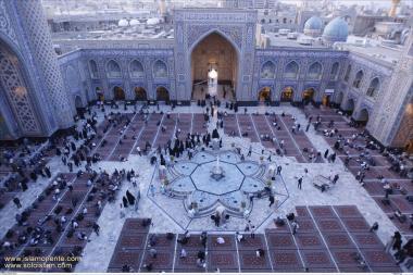 معماری اسلامی - نمایی از صحن اصلی حرم مطهر امام رضا (ع) - مشهد , ایران - 2